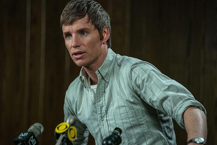 Eddie Redmayne as defendant Tom Hayden